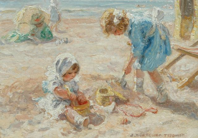 Zoetelief Tromp J.  | Girls playing on the beach, Öl auf Tafel 18,9 x 26,6 cm, signed l.r.