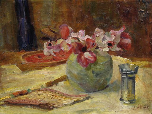 Jan Altink | A still life with a fan and flowers, Öl auf Leinwand, 30,2 x 40,1 cm, signed l.r.